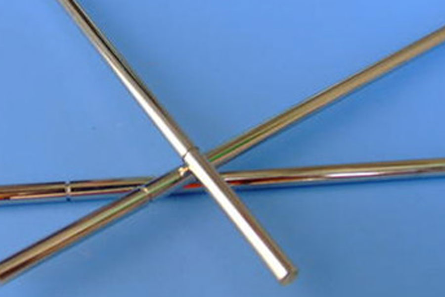 What are the precautions when machining slender shafts?
